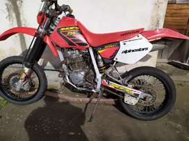 Se vende honda XR 250