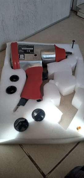 Llave de impacto neumatica con dados y pistola de limpieza