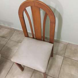 Vendo 6 sillas de algarrobo $ 2.500 c/u