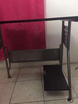 Vendo escritorio seminuevo