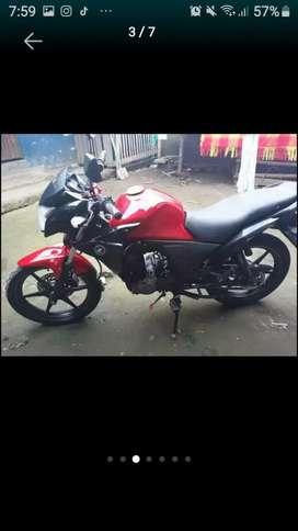 Se vende moto honda cb 110 twister