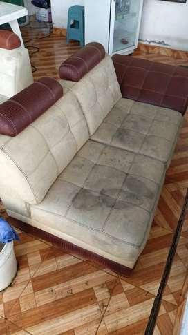 Se hace limpieza de muebles y colchones