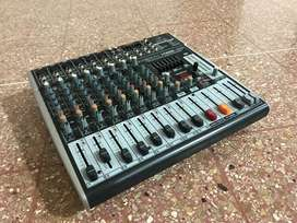 Mezcladora / Mixer / Consola Behringer Xenyx x1222 USB