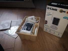 Cámara vigilancia WiFi D-Link DCS-2330L, prácticamente sin uso. En caja y con CD y manual original.