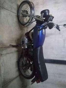 Vendo moto guerrero 100 tipo ax a restaurar