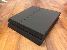 PLAYSTATION 4 + 500 GB + CAJA + Joystick + 2 JUEGOS