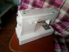 Maquina de coser familiar nueva