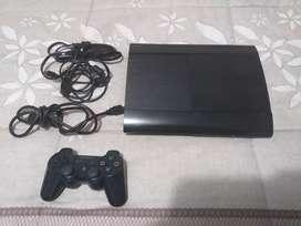 Se vende PS3 Sony original en muy buen estado