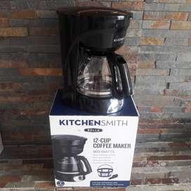 Cafetera KitchenSmith by Bella/Sensio Para 12 Tazas Modelo: TM-1003B Item:12050