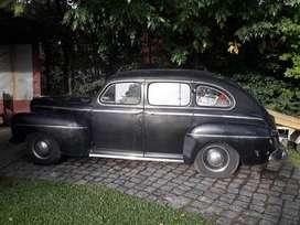 Automóvil  Ford sedan 4 puertas V8 De luxe. totalmente original sin faltantes.
