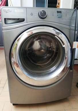 Vendo lavadora  para repuestos.
