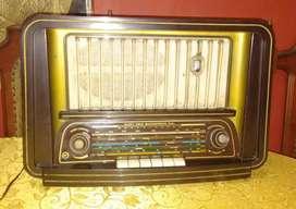 Antigua radio marca Blaupunht decorativo
