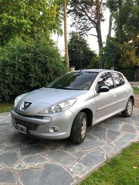 Peugeot 207 2012 compact. Increible estado!!