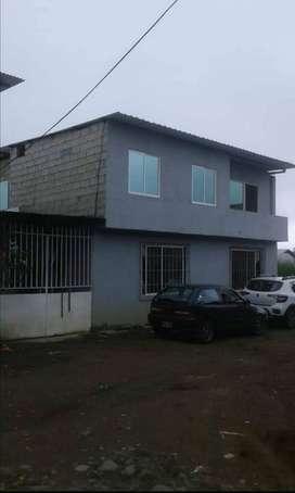 Vendo casa de dos pisos