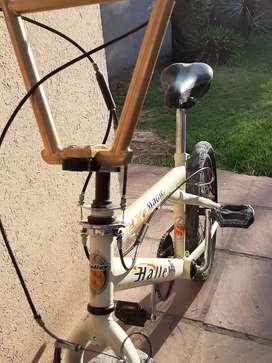Vendo bici freestyle BMX rodado 20