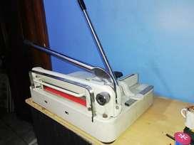 Vendo guillotina semiinusttial