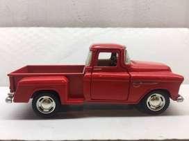 PICK UP CHEVROLEC 1955 DE COLECCION   5330 Kinsmart - 1955 Chevy Stepside Camioneta color rojo.   Escala 1/32 metal fund