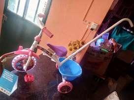 Vendo triciclo pequeño pony nuevo