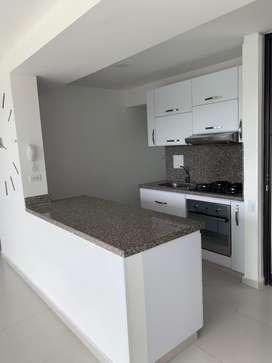 Cedo leasing Apartamento condominio Abadías/ Sacromonte/ 9 piso