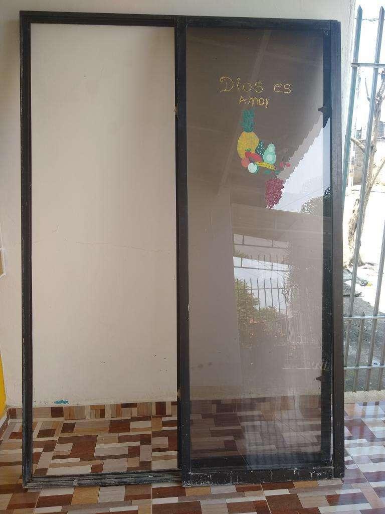 Puerta Ventana de 1.35cm por 1.95cm 0
