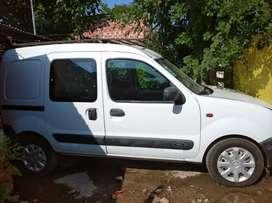 Permuto por auto a nafta o gnc kangoo 2006 1.9 diesel con motor nuevo recién echo por completo en ablande soy de pilar