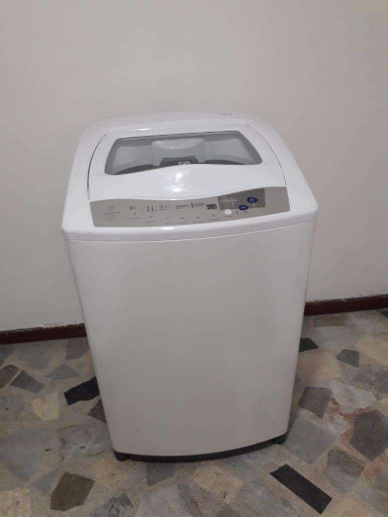 Se vende lavadora Nueva ELECTROLUX 0