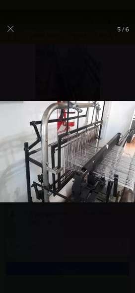 Vendo máquina para fabricar trapos de piso y trapos rejilla.  Ideal emprendimiento de producto primera necesidad!!