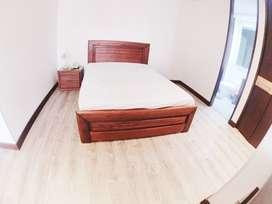 Venta de hermosa cama doble + colchón semiortopedico- Madera en pino