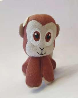 Muñeco de peluche. Mono.