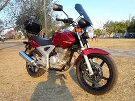 Honda twister 250 cc...muy buena..titular...papeles al día  $ 270000
