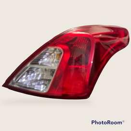Stop trasero marca Depo  Nissan versa 2015