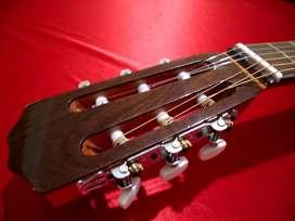 Guitarra Criolla SIN USO- PERMUTO- Pino, Cedro, Nogal- calidad similar a Fonseca 25