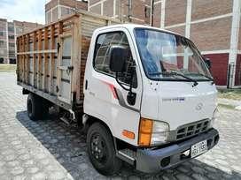 Flamante Camión HYUNDAI HD65