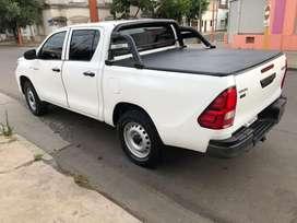 Toyota Hilux 2018 titular al dia , 4x2 impecable .