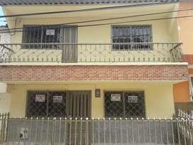 Casa de 3 pisos en venta