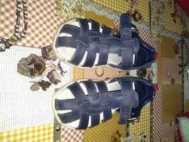 Vendo sandalias Grims usadas