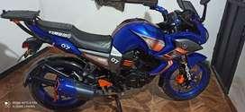 Moto Yamaha bien cuidada motor estándar bien de pintura llantas en 90 seguro y Teno asta octubre el precio es negociable