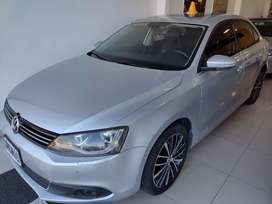 Vendo Volkswagen Vento TSI 2.0 cuero gomas nuevas muy buen estado recibo menor