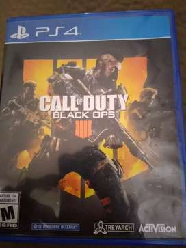 Se vende call of duty black ops 4