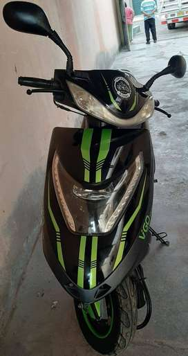 Se vende moto scooter ITALIKA