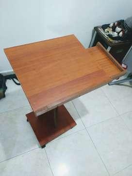 Se vende mesa para portátil (NEGOCIABLE)