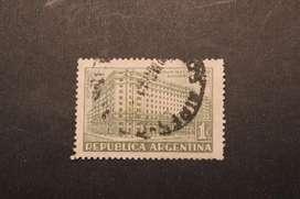 ESTAMPILLA ARG. 1942, NUEVO EDIFICIO CAJA DE AHORRO POSTAL, USADA