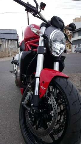 Ducati Monster 1200cc