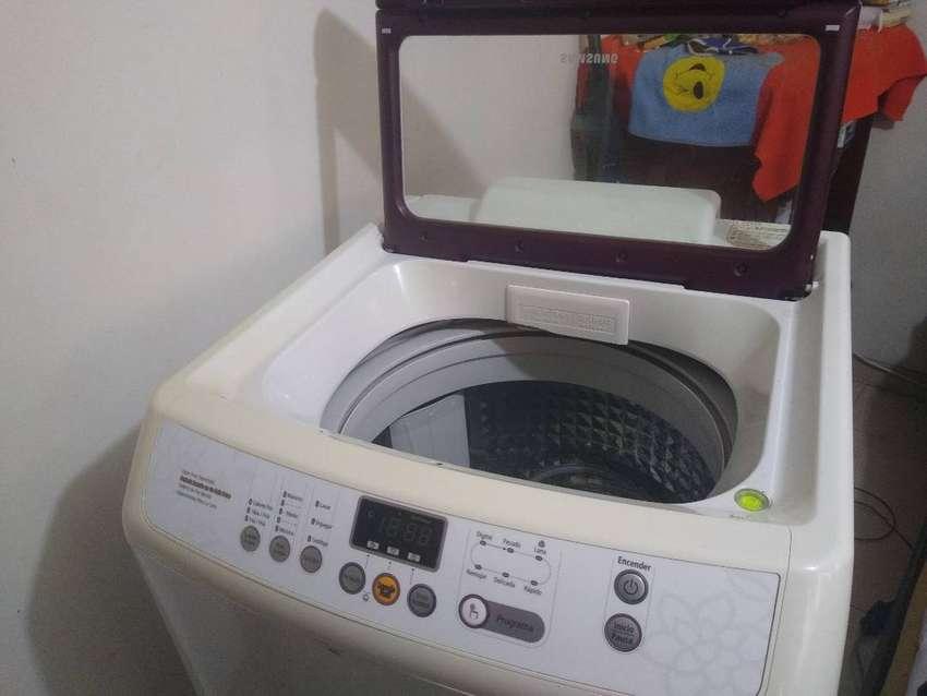 Lavadora sansung digital de 34 libras en buen estado 0