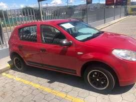 Renault Sandero / Rojo / 2010