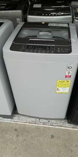 Hoy en venta lavadora LG 20libras