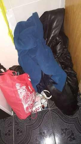 Vendo lote de ropa de hombre talle 40al48 camperas de cuero y pantalones