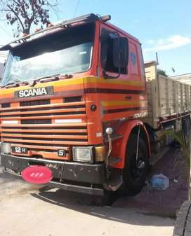 Scania 112 roto, tiene el block fisurado entre las camisas carpeta completa