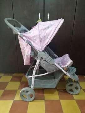 Coche para bebés  en muy buen estado- cochesito, carrito bebé