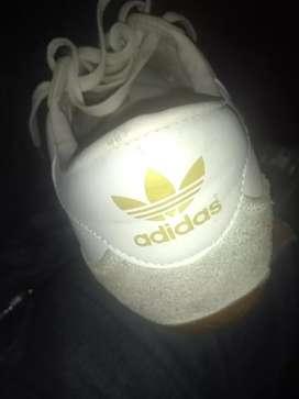 Sapatos adidas